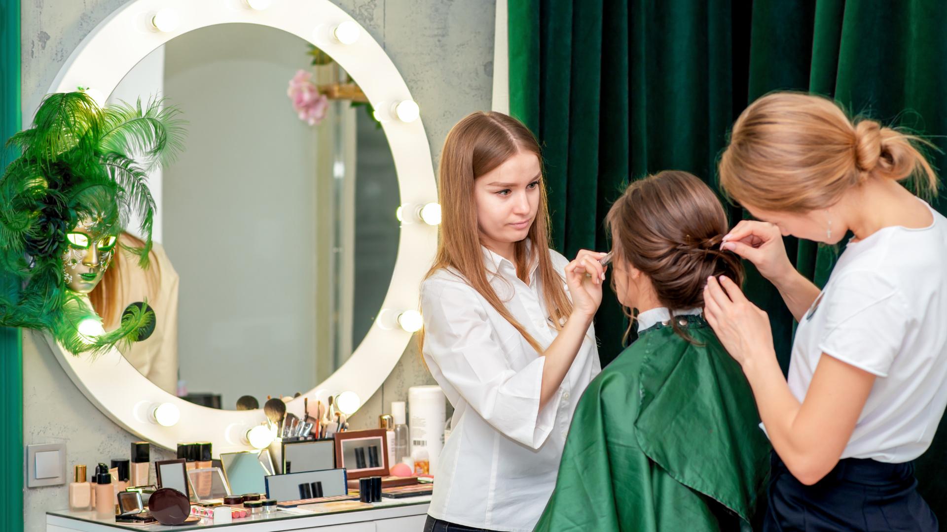 Make up artist / Hair Stylist